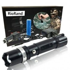 RioRand 1000lm Cree Q5 Zoomable Flashlight Focus 18650 Battery+ +3xaaa Adaptor +2xcharger with Glass Breaker for Climbing,camping and Outdoor/indoor Activities